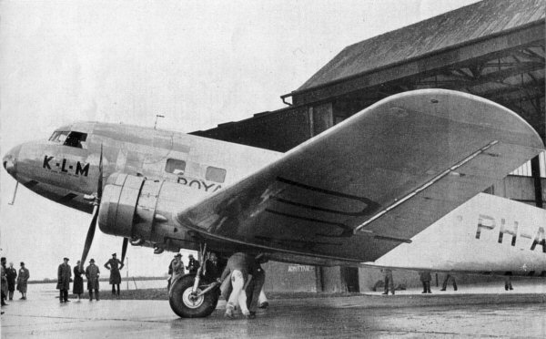 DC-2 commercial airliner